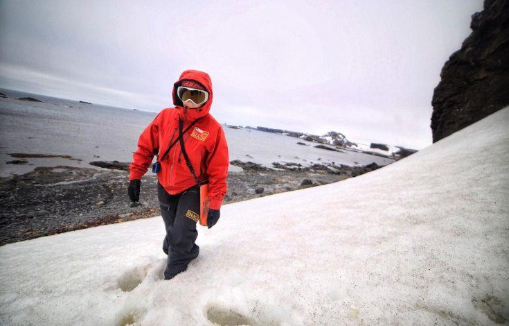 La ingeniera Marcela Andrade en uno de sus viajes a la Antártica