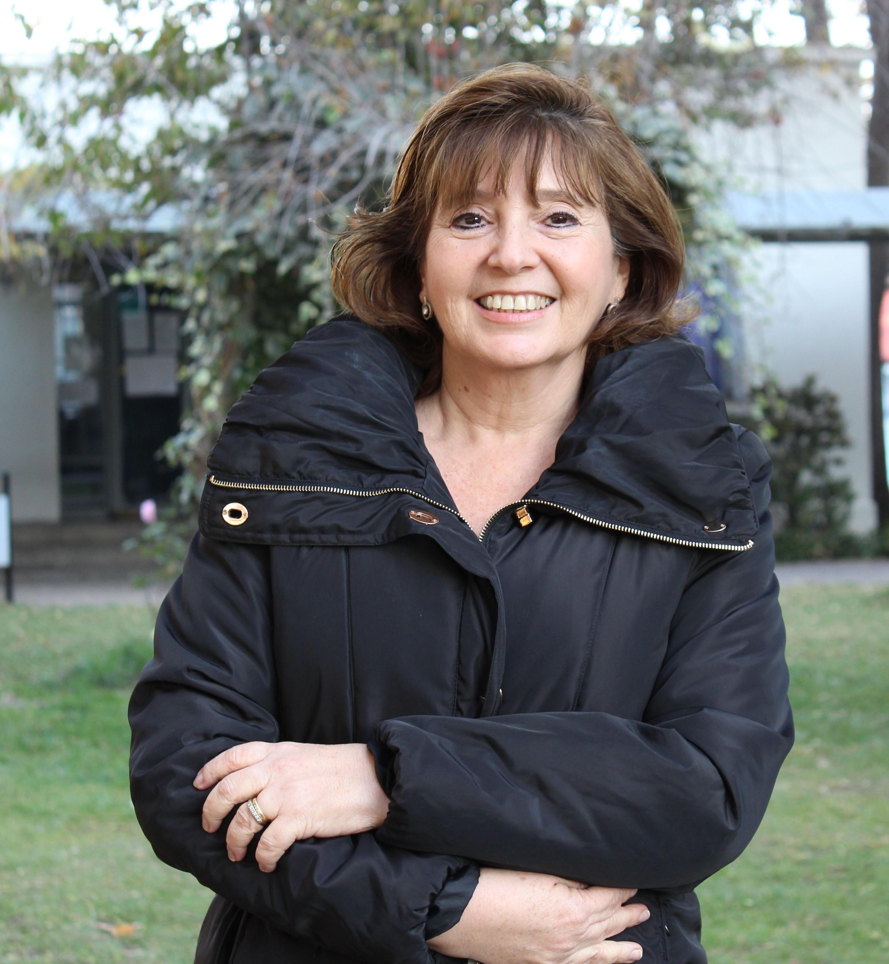 Dora Altbir, Física de la Universidad de Santiago de Chile y Directora del Centro para el Desarrollo de la Nanociencia y la Nanotecnología Cedenna